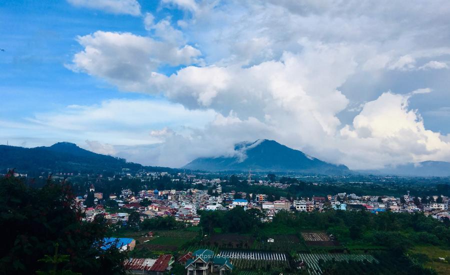 فندق قرية بيراستاقي سومطرة إندونيسيا