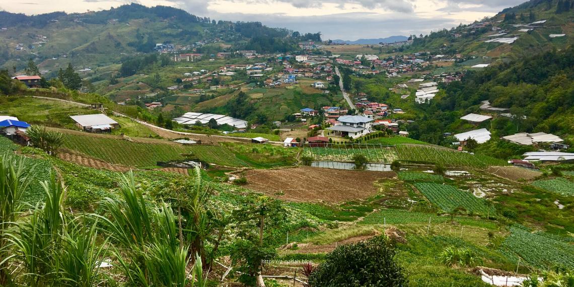 كونداسانغ ولاية صباح بورنيو الطبيعة الخضراء المناطق السياحية