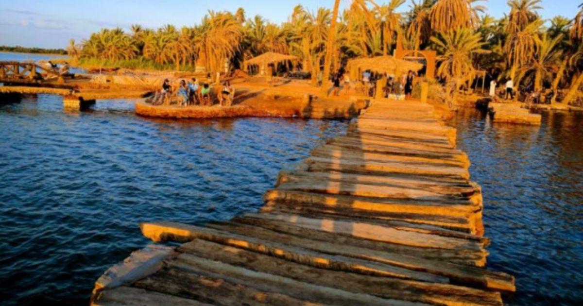 مخيم مارسينا في واحة سيوة جزيرة فطناس على الطراز البيئي