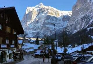 قريندلفالد سويسرا التزلج الشتوية قمة فيرست وادي لوتربرونين